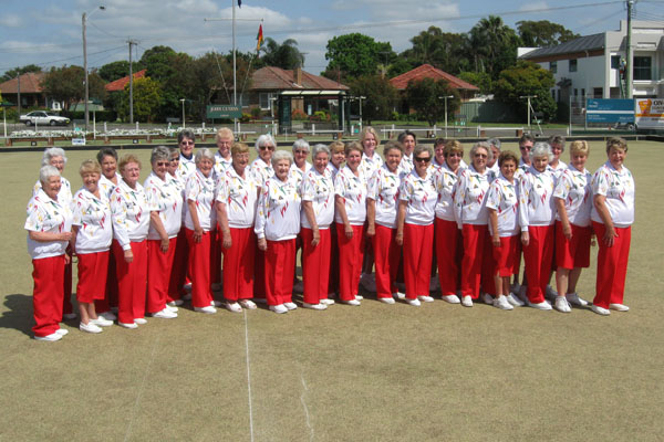 Grandviews Womens Bowling Club outfitted by Domino Bowlswear - club coloured bowls clothes women