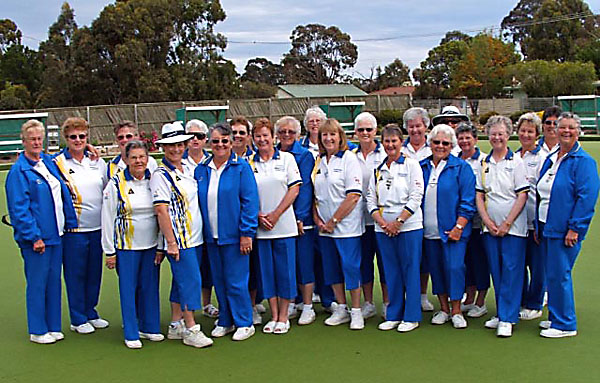 Paynesville Bowling Club wearing Domino Lawn Bowls clothing Light Royal as supplied by Dales Lawn Bowls Supplies Bairnsdale. domino - the best bowls wear supplier